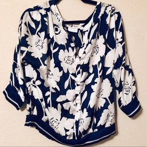 NEW YORK & CO BLUE AND WHITE FLORAL BLOUSE